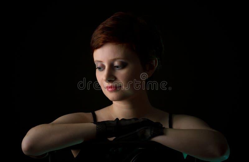 Bella donna della testarossa con i capelli di scarsità fotografia stock libera da diritti