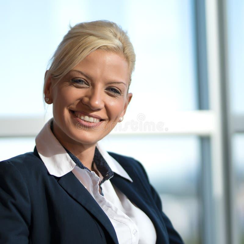 Bella donna di affari fotografia stock