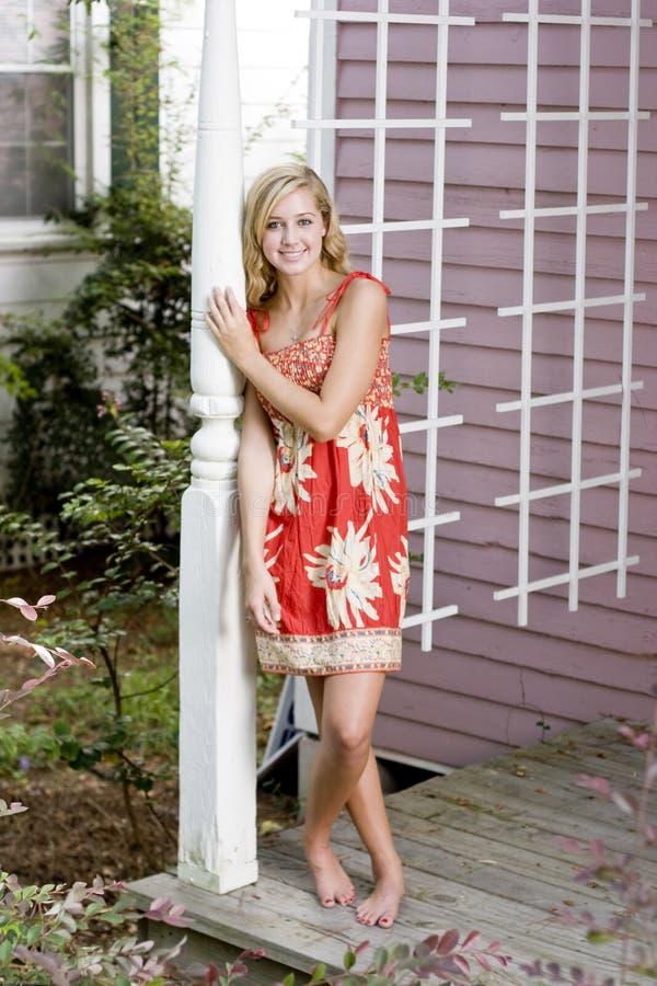bella donna di colore rosso del vestito immagine stock