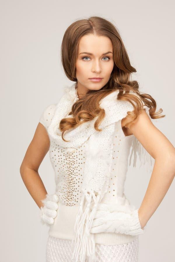 Bella donna in guanti bianchi fotografia stock