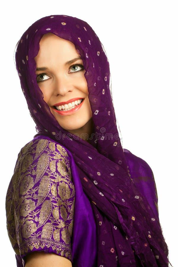 Bella donna indiana in vestiti tradizionali fotografie stock