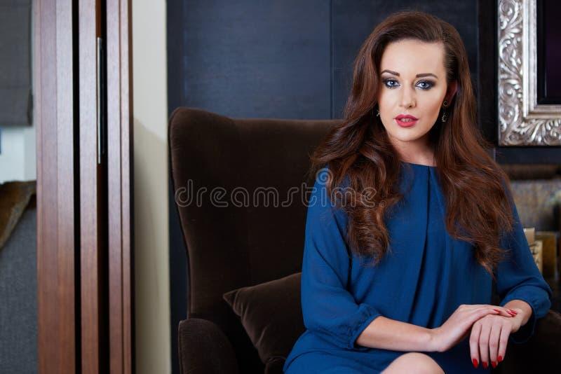 Bella donna lussuosa fotografie stock
