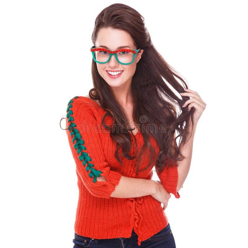 Bella donna in maglione rosso fotografie stock libere da diritti