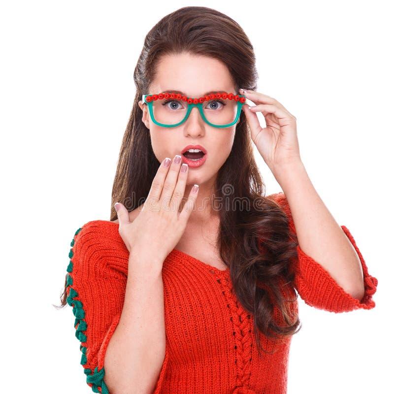 Bella donna in maglione rosso fotografia stock