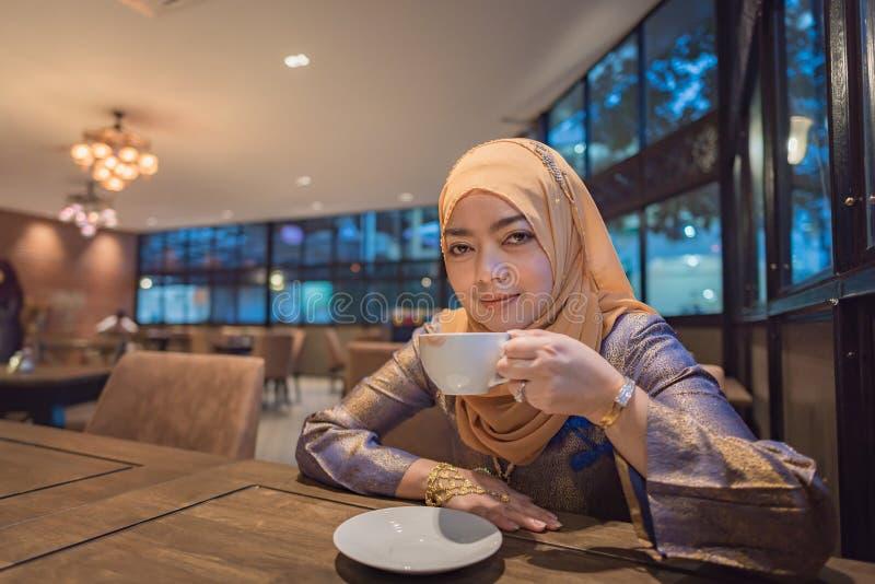 Bella donna musulmana immagine stock