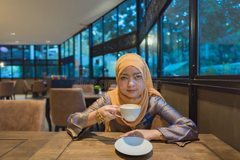 Bella donna musulmana fotografia stock libera da diritti