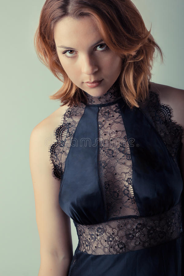 Bella donna sexy in biancheria fotografie stock