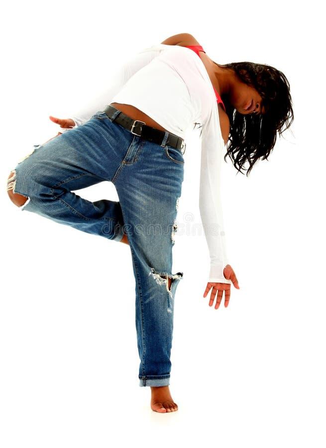 Bella donna urbana nera del danzatore sopra bianco immagine stock