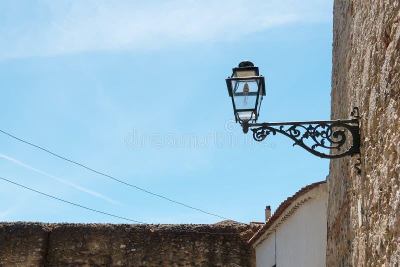 Bella e vista tradizionale di costruzione antica, Lisbona immagini stock libere da diritti