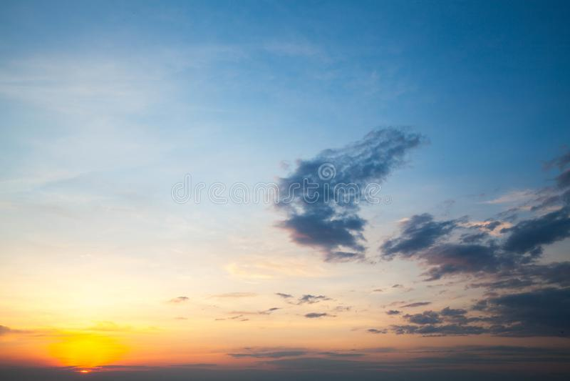 Bella ed alba celeste fotografia stock