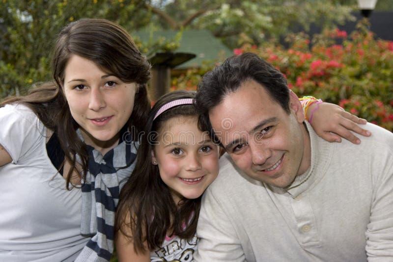 Bella famiglia che gode insieme immagine stock libera da diritti