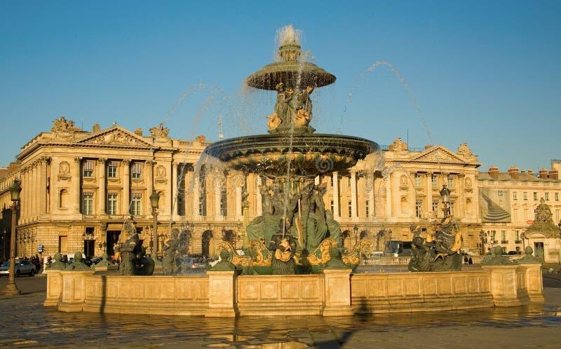 Bella fontana sul posto de la Concorde fotografie stock