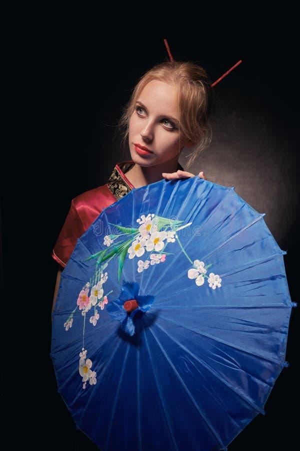 Bella geisha della ragazza immagine stock