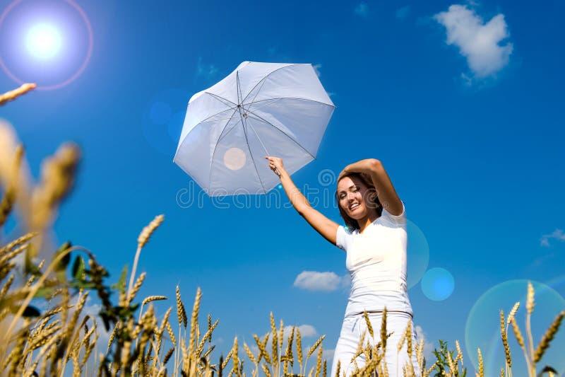 Download Bella giovane donna immagine stock. Immagine di asiatico - 7303153