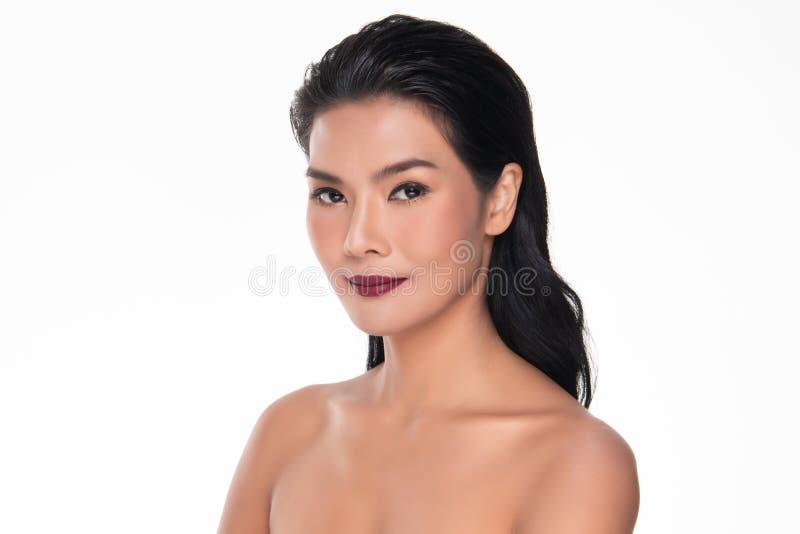 Bella giovane donna asiatica con lo sguardo fresco pulito della pelle Bea della ragazza immagine stock