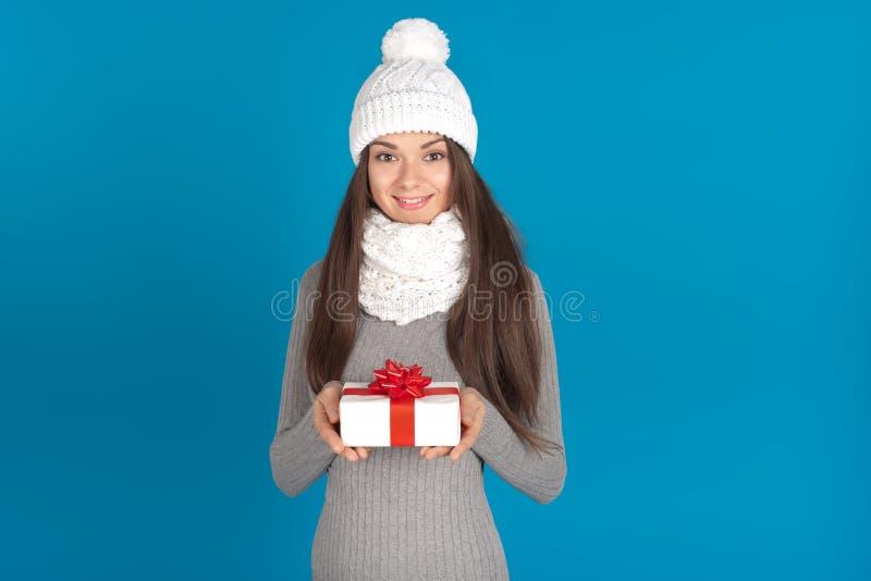 Bella giovane donna castana come ragazza di Santa fotografia stock