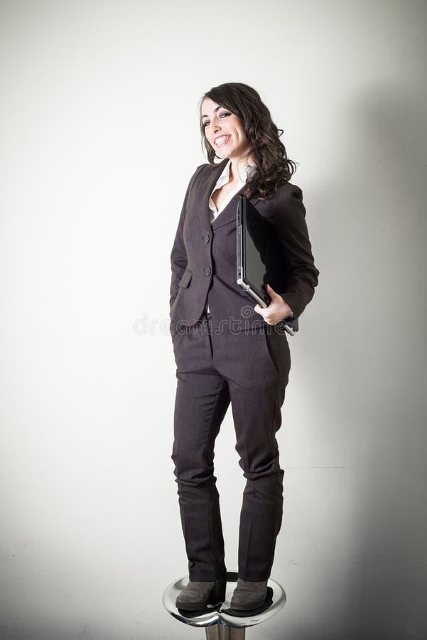 Bella giovane donna di affari fotografie stock