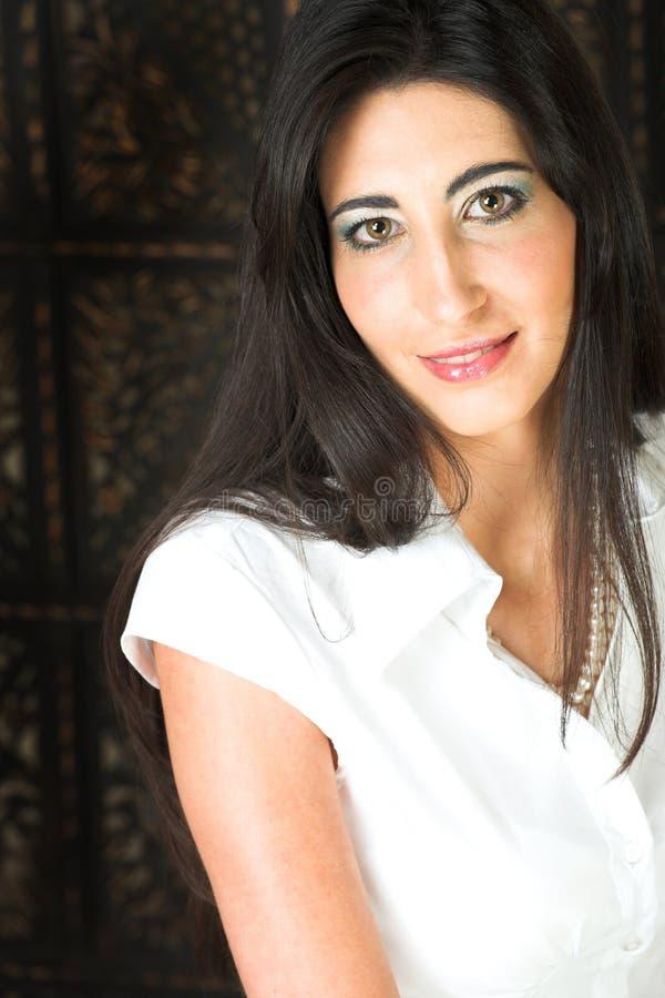 Download Bella Giovane Donna Italiana Fotografia Stock - Immagine di occhi, femmina: 3882968