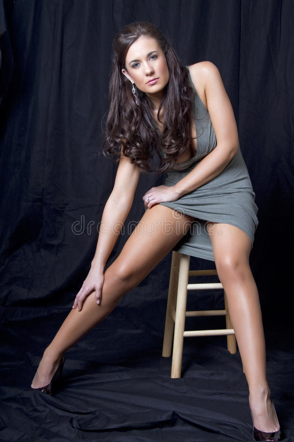 Bella giovane femmina del brunette fotografia stock