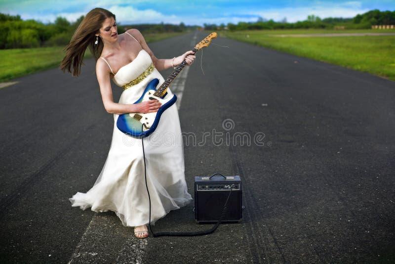 Bella giovane sposa fotografia stock