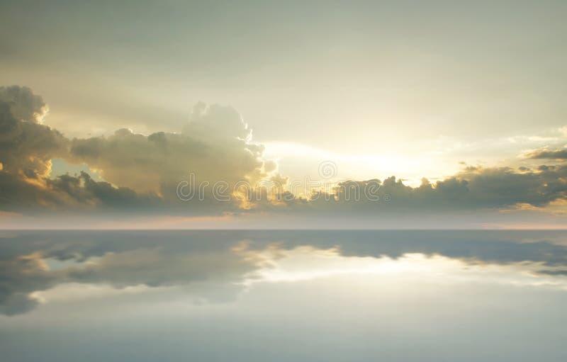 Bella immagine di sfondo del mare e del cielo fotografia stock
