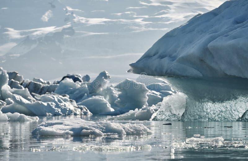 Bella immagine fredda del paesaggio della baia islandese della laguna del ghiacciaio, immagini stock