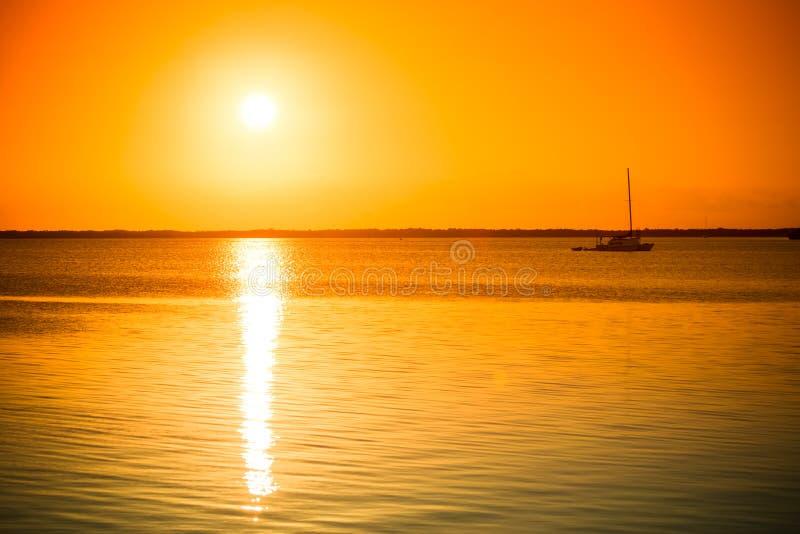 Bella immagine nel largo chiave, Florida, U.S.A. di tramonto modificato fotografia stock libera da diritti