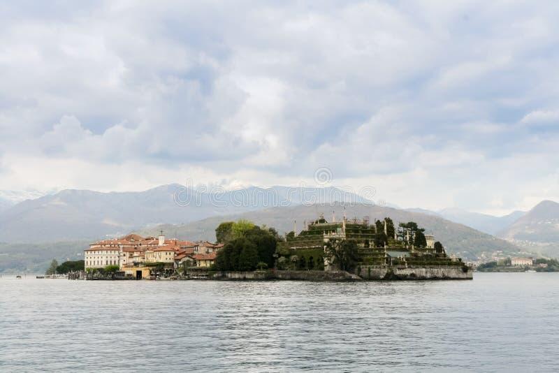 bella isola jeziora maggiore fotografia royalty free