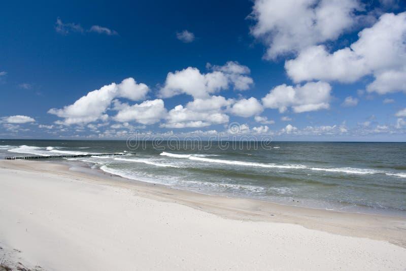 Bella linea costiera fotografie stock