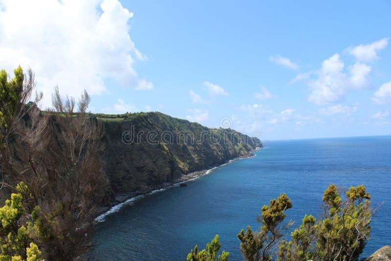 Bella linea costiera dalle Azzorre fotografia stock libera da diritti