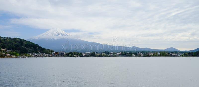 Bella montagna di Fuji, il punto di riferimento famoso del Giappone fotografie stock