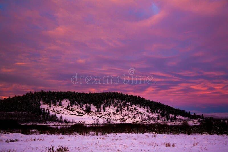 Bella montagna di inverno fotografia stock