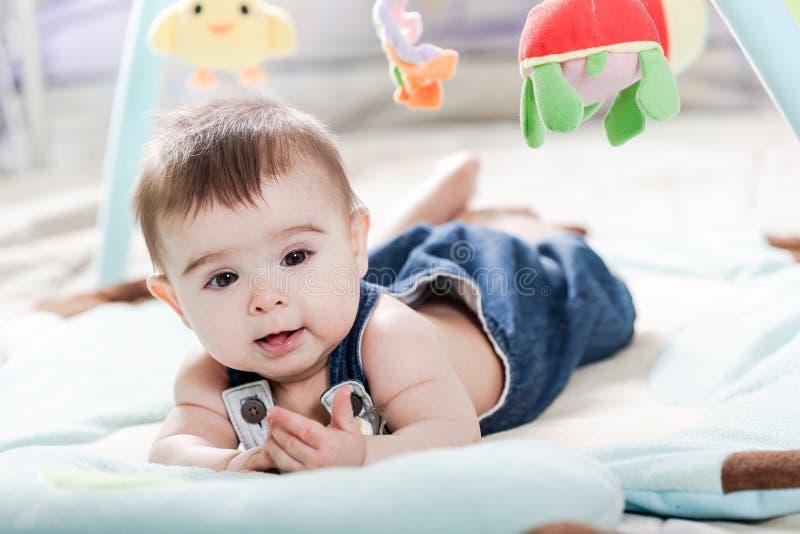 Bella neonata appena nata immagini stock libere da diritti