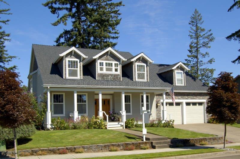 Bella nuova casa immagine stock libera da diritti