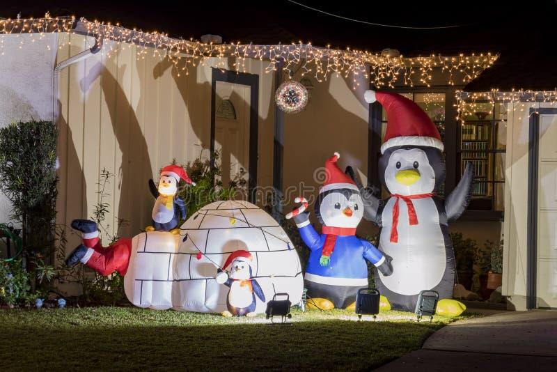 Bella palla della luce di Natale a Fullerton immagine stock