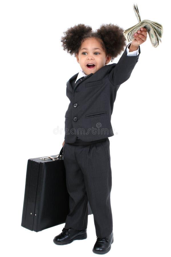 Bella piccola donna di affari con la cartella e la manciata di Mo immagine stock
