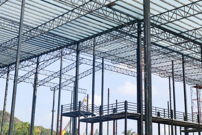 Bella progettazione della costruzione di edifici della struttura dell'acciaio del metallo del primo piano fotografia stock