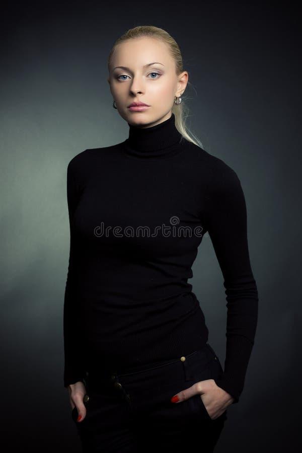 Bella ragazza bionda immagine stock