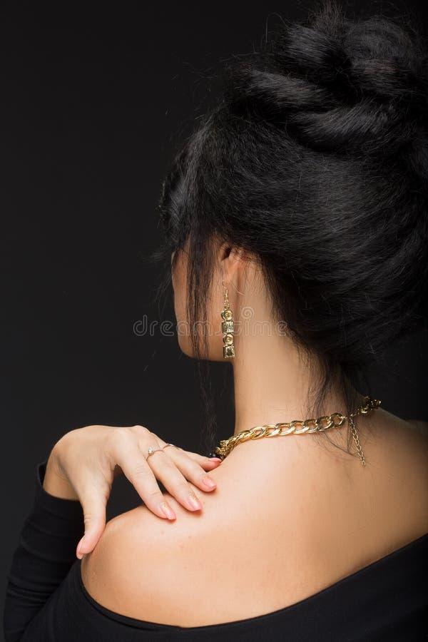 Bella ragazza castana Capelli lunghi sani e immagine stock libera da diritti