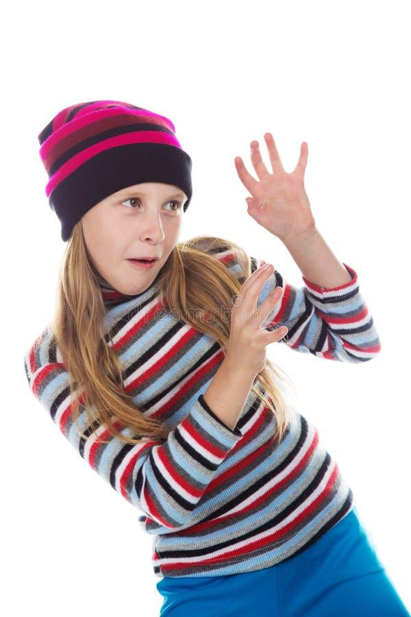 Bella ragazza a colori cappello e maglione a strisce - Immagine di una ragazza a colori ...