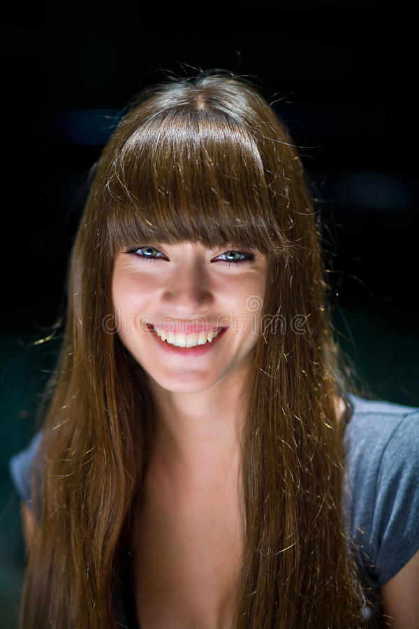 Bella ragazza con capelli lunghi immagini stock libere da diritti