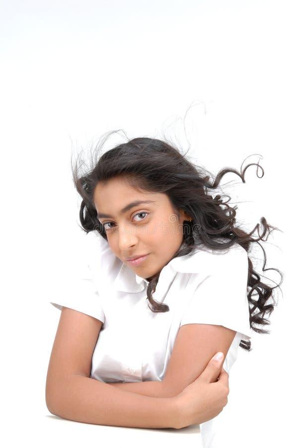 Bella ragazza con capelli ricci immagini stock