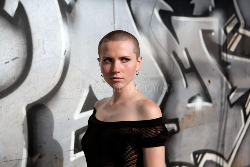 Bella ragazza con i capelli di scarsità fotografie stock libere da diritti