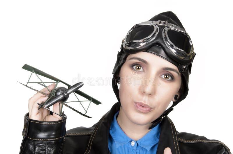 Bella ragazza con il casco e gli occhiali di protezione fotografie stock libere da diritti