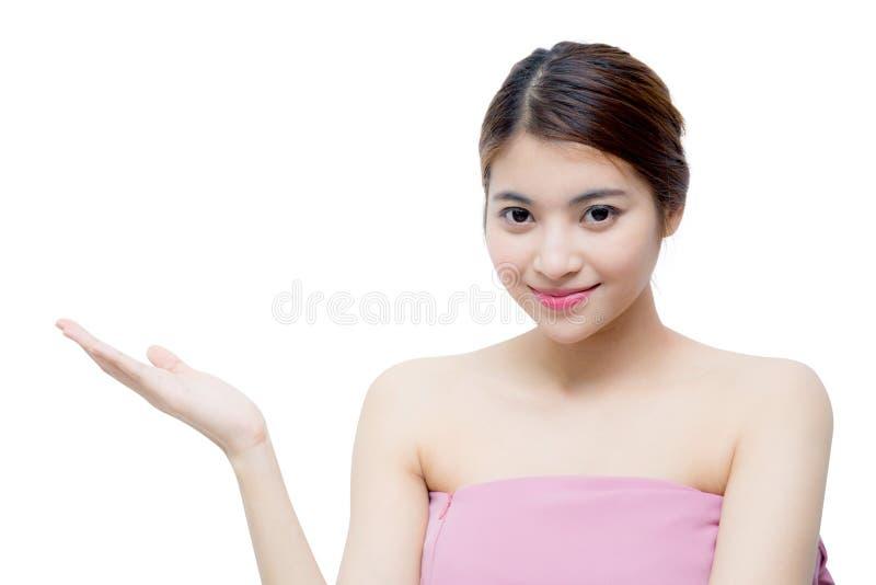 Bella ragazza con il concetto di cura di trucco, della gioventù e di pelle fotografia stock
