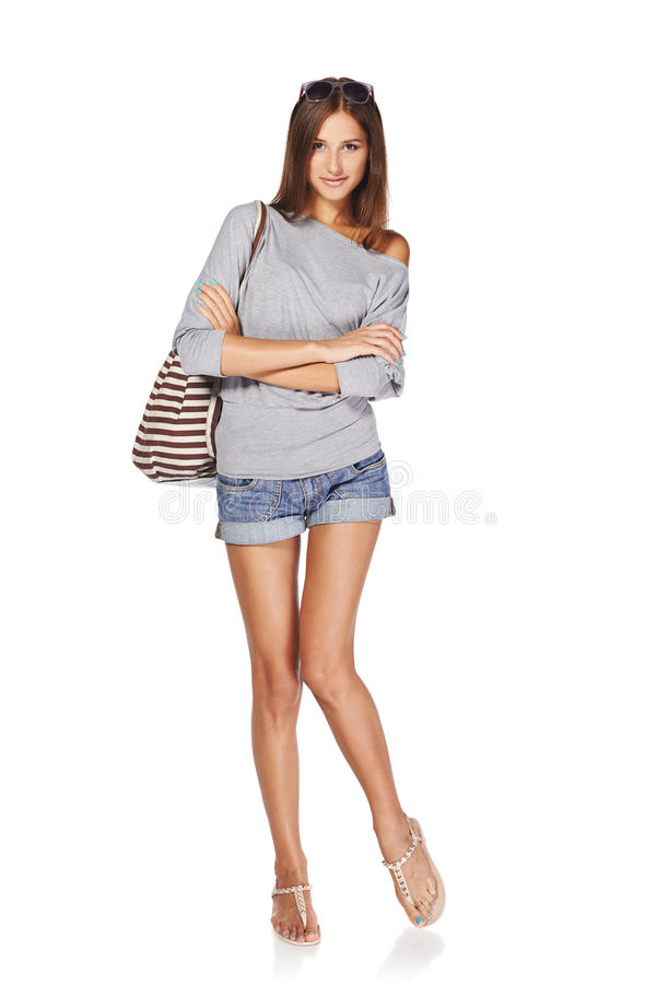 Bella ragazza con lo zaino di estate fotografia stock libera da diritti