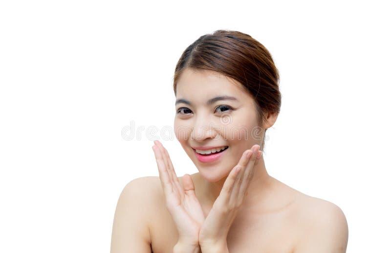 Bella ragazza con trucco, il concetto di cura di pelle e della gioventù/ragazza asiatica attraente isolata fotografia stock