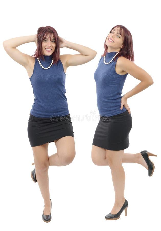 Bella ragazza con una gonna nera e un maglione blu fotografie stock libere da diritti