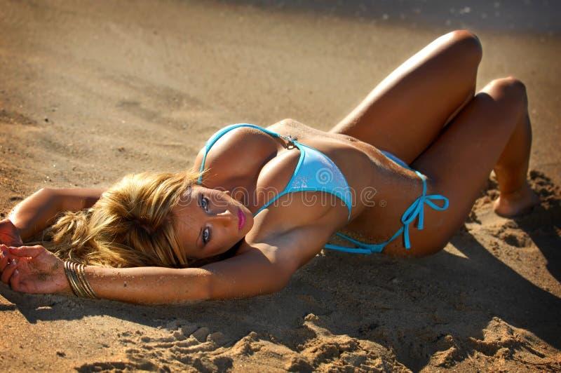 Bella ragazza del bikini immagini stock