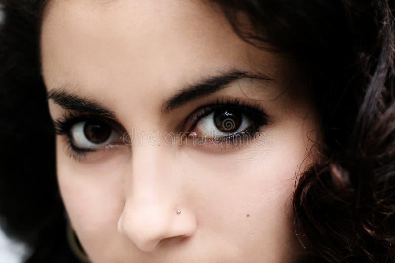 Bella ragazza del Medio-Oriente fotografie stock